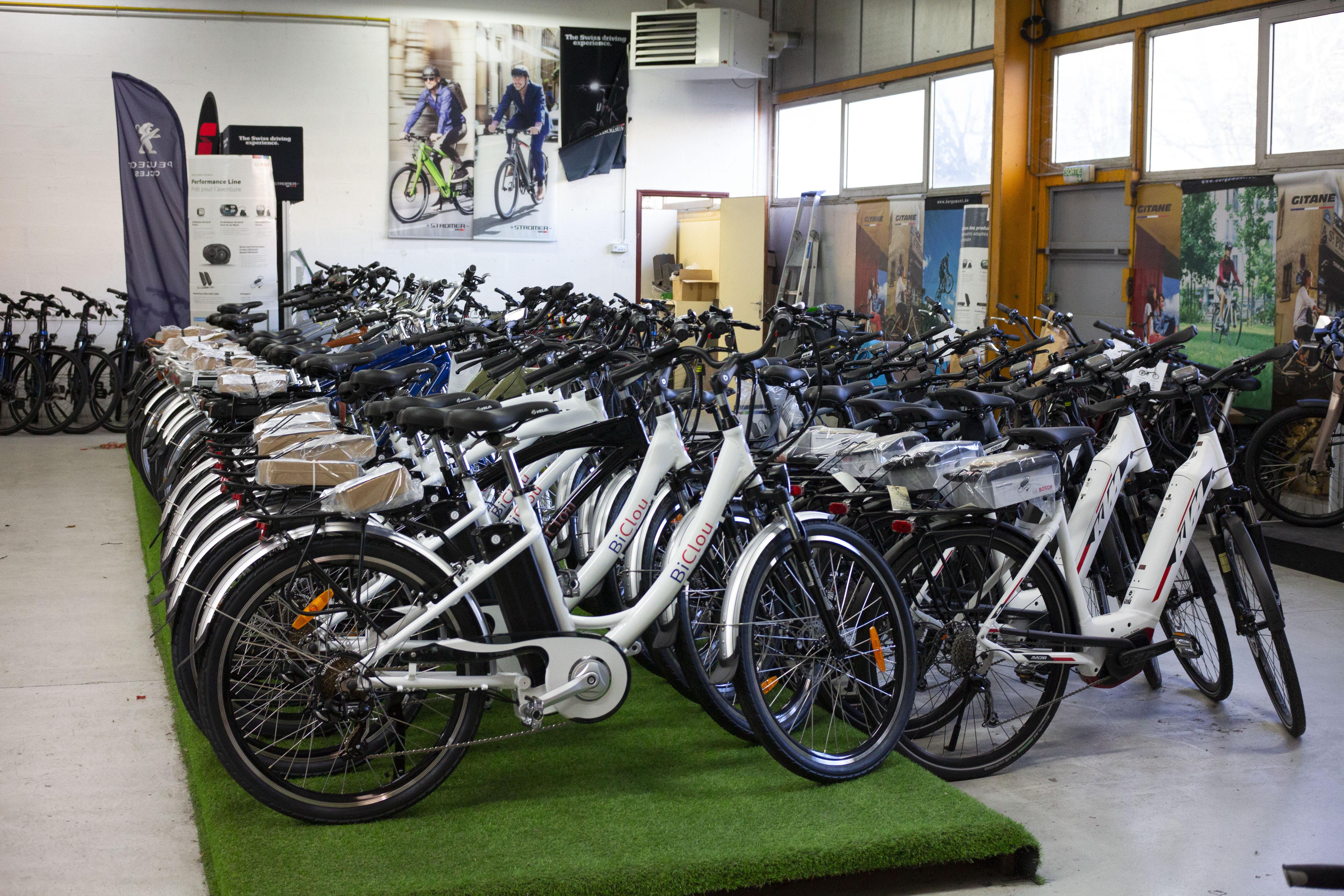 AC-Emotion e-Bike center : un espace dédié aux professionnels qui ont besoin d'une solution de mobilité d'avenir : vélo électrique ou scooter électrique