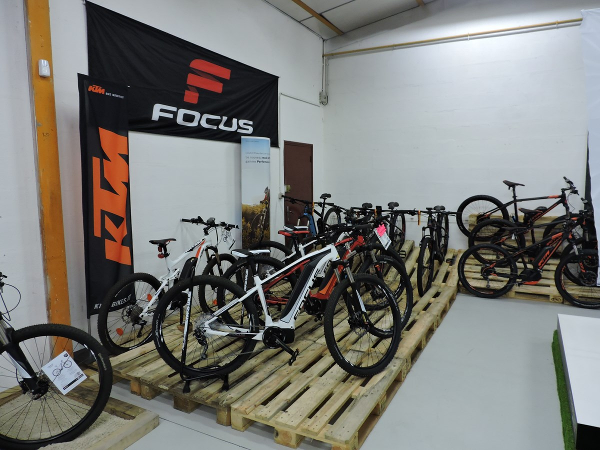 AC-Emotion e-Bike center vous propose une sélection de VTT électriques KTM, Focus, Gitane ou Riese & Müller